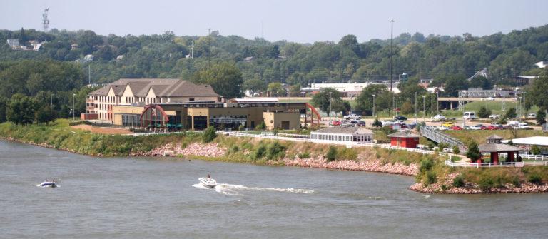 Riverside view of Hilton Garden Inn Sioux City